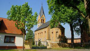 Calenberge_Kirche_Mai_2012-2